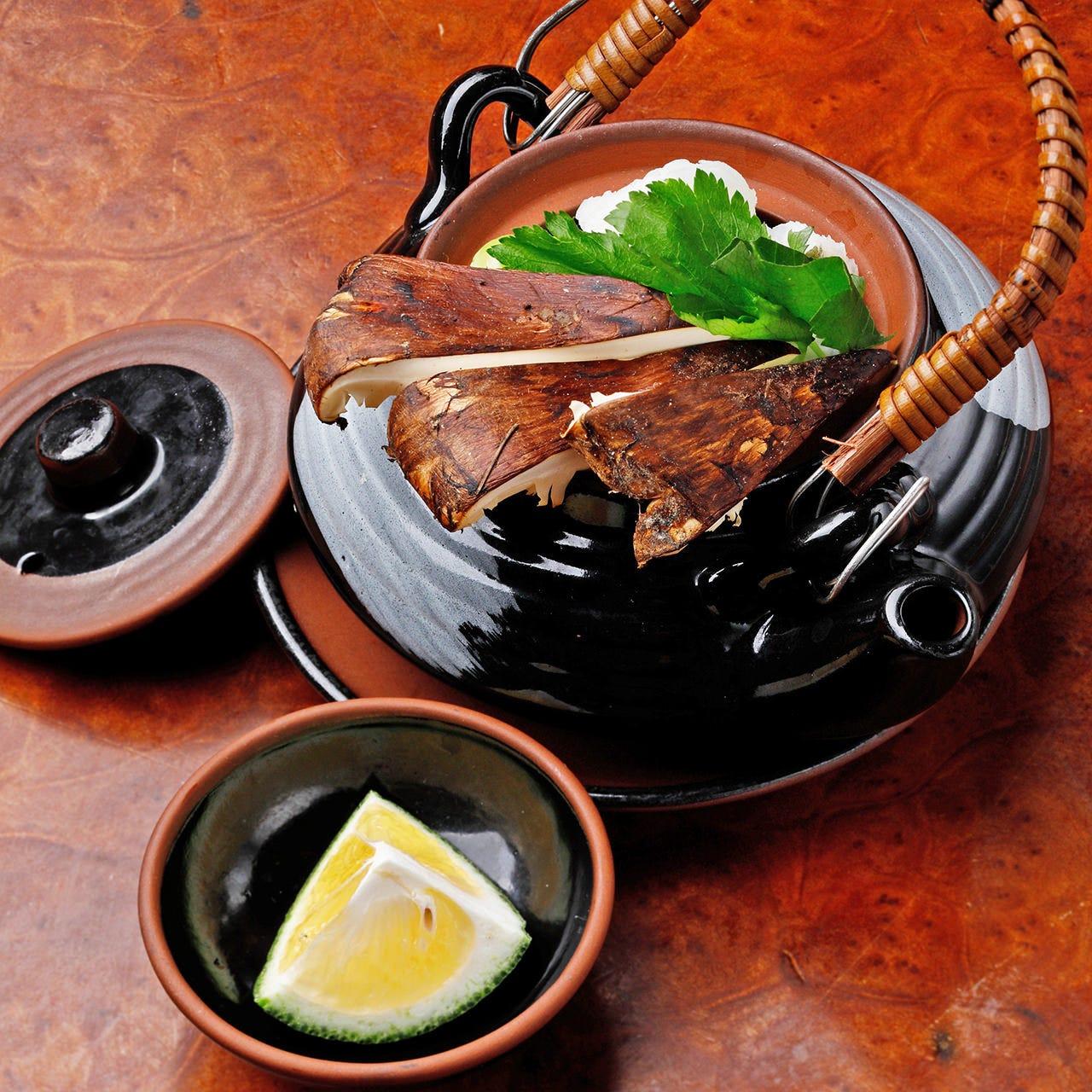 全国から厳選した日本酒と一緒にアラカルトをご堪能ください。