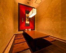 落ち着く空間 大小個室6個