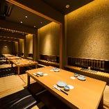 個室は全5部屋ございます。お席はご利用人数に応じてご調整いたします。