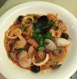 具たくさんの海鮮スパゲティ(ペスカトーレ)