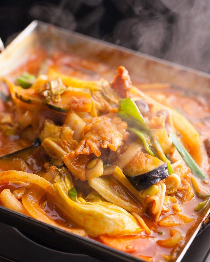 辛さが癖になる韓国鍋!!! 是非ご賞味下さい。