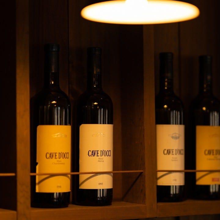 風土の香りがする自家製ワインを料理と合わせてお選びください