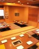 三階席は掘りごたつの和室です。団体様向けです。