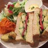 サンドイッチプレート(サラダ・スープ付き)