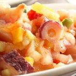 サルピコン・デ・マリスコス(魚介と野菜のマリネ)