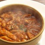 マドリッド風カジョス ~ハチノス、モツ、豆の煮込み~