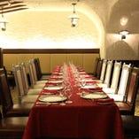 テーブル連結で大人数の会食も可能