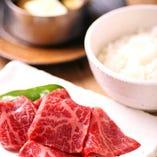 赤身肉ご飯