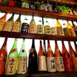全国各地の地酒は100種類以上♪日替わりでご用意しております