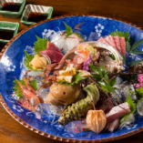 日本海で獲れた海の幸を豪華なお刺身盛り合せでどうぞ