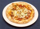 秋野菜の根菜カポナータとボロネーゼのピッツァ
