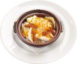 白魚・新玉葱・春キャベツ・イタリアン産カラスミのアヒージョ