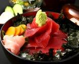 濃厚鉄火丼1575円 黄身醤油で濃厚な味わいです。