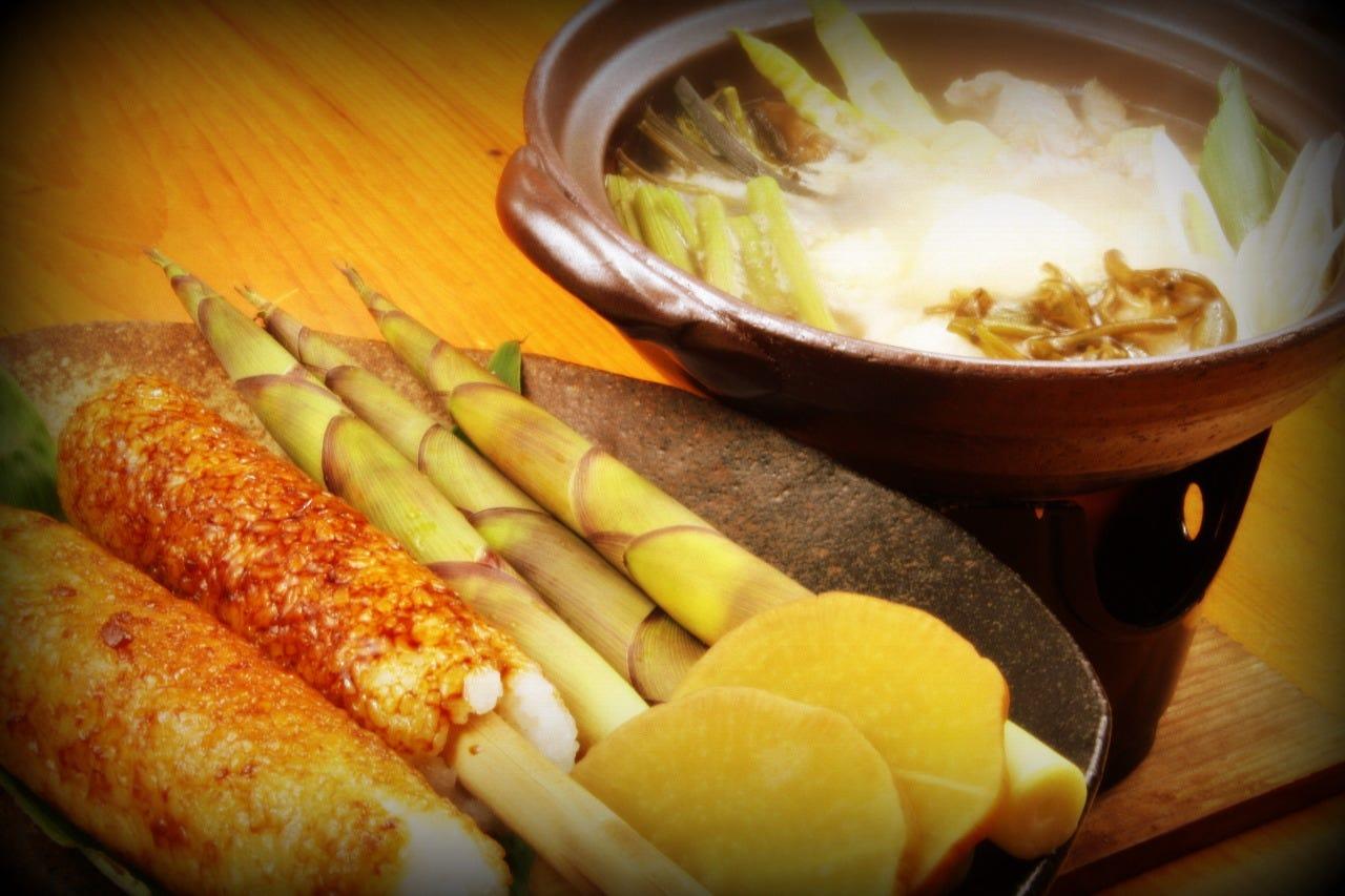 コース料理が人気でお得です。 郷土料理や旬のお薦め等々・・・