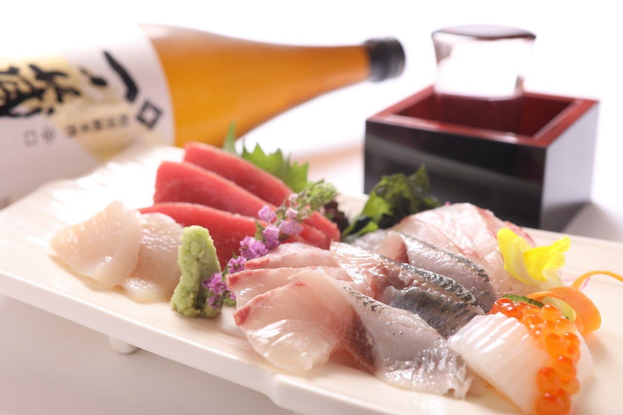 【鮮魚】海鮮盛り合わせ他、各地から取り寄せた厳選の鮮魚!