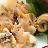 つぶ貝のガーリックバター炒め