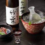 日本酒は加賀の地酒を中心に8~10種。焼酎には森伊蔵もご用意