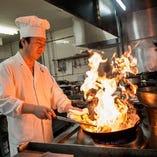 四川飯店一筋45年のシェフが作る熟練の中華料理