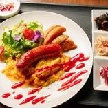 日替り洋食プレートA「スクランブルエッグセット」