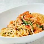 「ズワイ蟹とフレッシュトマトのスパゲッティ」