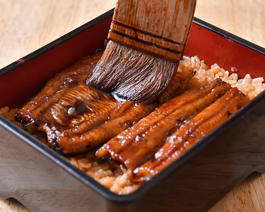 愛知県三河一色産の鰻を秘伝のたれで
