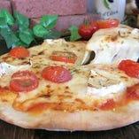 チーズ×チーズの濃厚な味わい♪タレッジョ&kiriチーズPIZZA