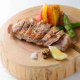 ブランド豚と季節野菜のオーブン焼き