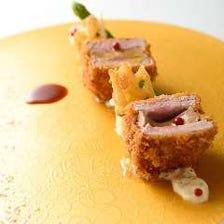 【ランチ限定】トリュフチーズとんかつメインの特別コース (ドリンク1杯 or デザートが選べる)4900円