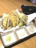 【野菜の天ぷら】 地元の方はもちろん、観光の方にも人気です。