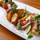 神戸牛コロッケや蟹クリームコロッケなど洋食メニューも