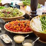 地元兵庫の農家直送のサラダコーナー