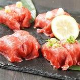 【肉ずし】 お食事の〆にもぴったりな逸品!とろける食感が◎