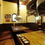 1階 8名様テーブル席