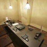 掘り炬燵 個室 5~8名様。少人数のご宴会に最適な空間です。
