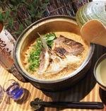 本格土鍋で炊き上げる炊き込みご飯は当店自慢の逸品です!