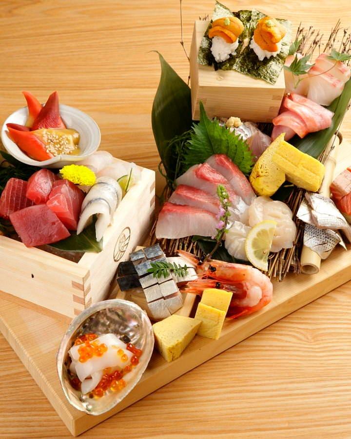 【名物】魚丸盛は必食の逸品です!