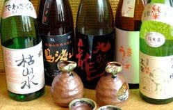 全国から色々なタイプお酒を多数ご用意¥480~