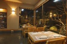 日本庭園が見渡せる個室完備!