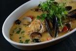一匹まるごと!本日鮮魚のアクアパッツァ~〆のリゾット付き~。イタリアンバル2538の名物料理!ぜひともお召し上がりください!!!