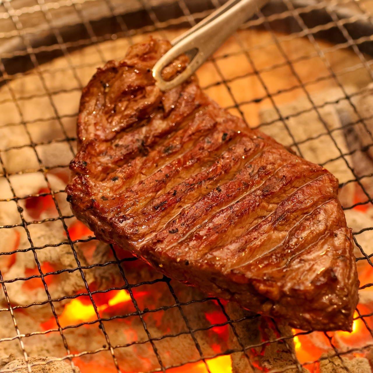 圧巻!特大のハラミステーキが人気
