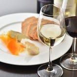 ワインはイタリア産のものを中心に常時40種以上ラインナップ