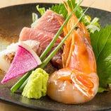 【見た目にも美しい鮮魚】 産地より仕入れる鮮度抜群の鮮魚