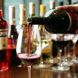 スペイン・イタリア産のワインは約80種類と充実の品揃え!!