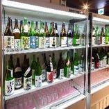 大人気の当店看板メニューの日本酒利き酒は選べる楽しさもあり