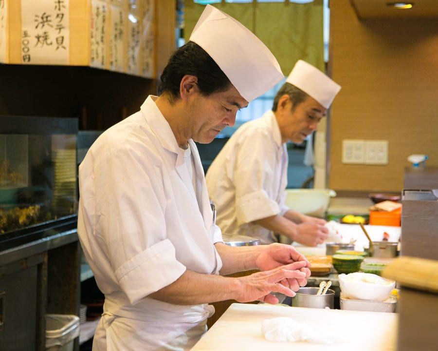 寿司職人が握る贅沢握り