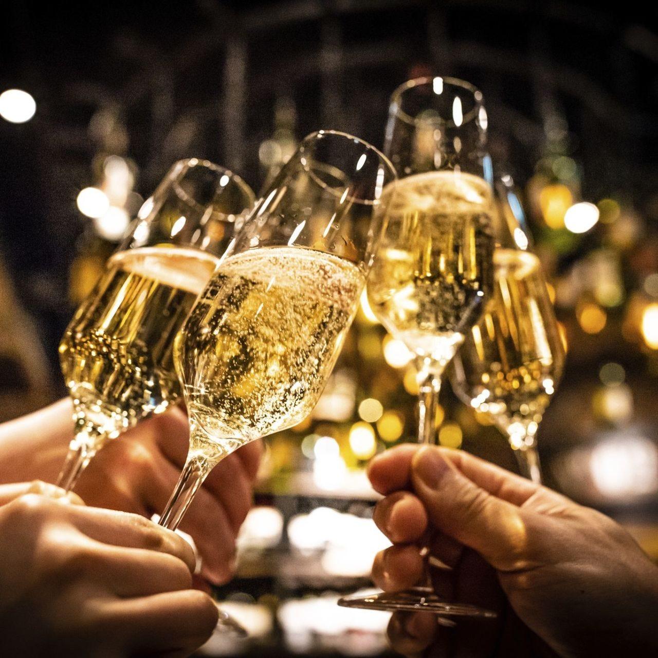 スパークリングワインも入った飲み放題プラン。