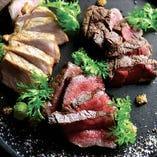 お酒がすすむ!!肉汁溢れるBATONのお肉料理!一番人気です