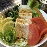 豆腐と有機野菜のサラダ