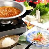 単品オーダーでも人気の逸品料理をバランス良く組み込んだコース内容