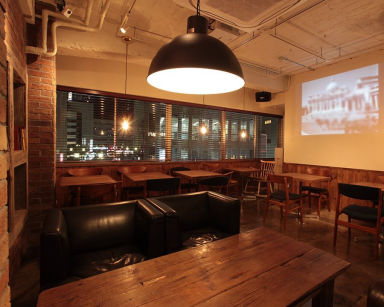 GRILL&BEER 484 CAFE(ヨンハチヨンカフェ) 店内の画像